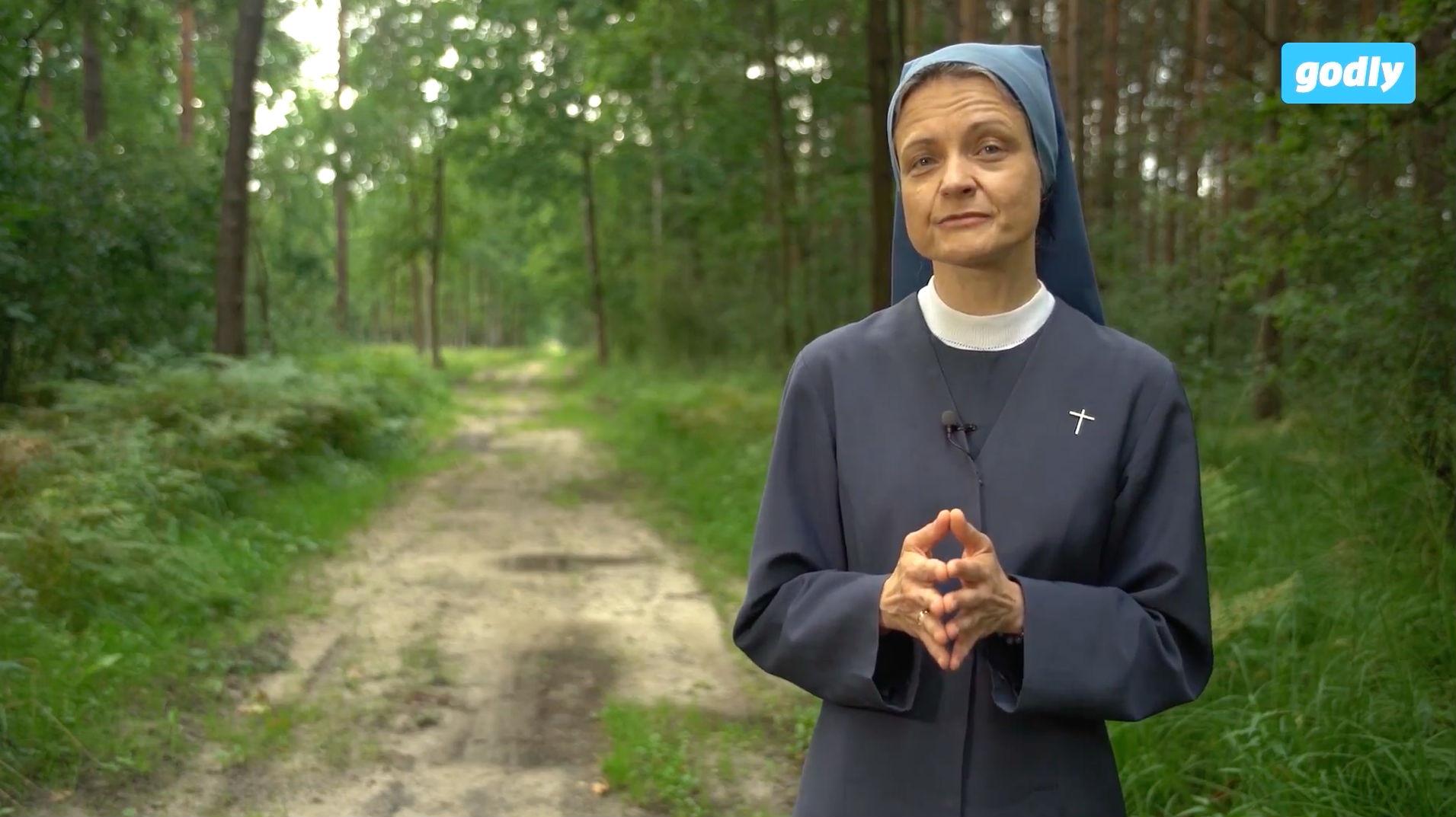 Jak zakonnica radzi sobie z potrzebą czułości i bliskości?