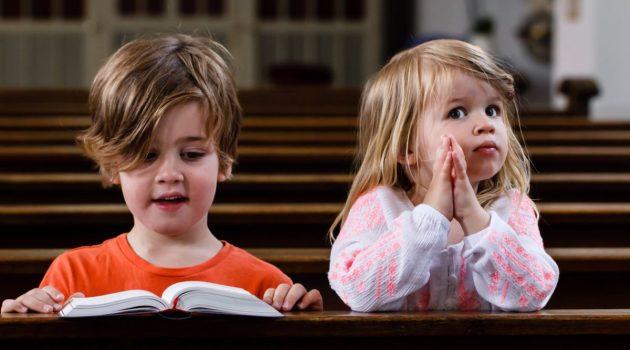 Carta a los papás que siguen llevando a sus alborotados hijos a misa, semana tras semana